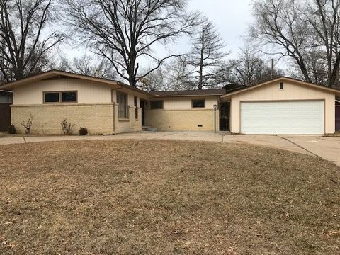 9808 W Hickory Ln, Wichita, KS 67212