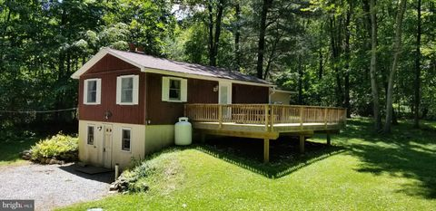 Photo of 161 Briarwood Ln, Roaring Spring, PA 16673