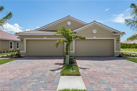 Photo of 4391 Dutchess Park Rd, Fort Myers, FL 33916