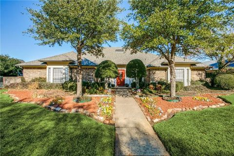 Photo of 3329 Whiffletree Dr, Plano, TX 75023