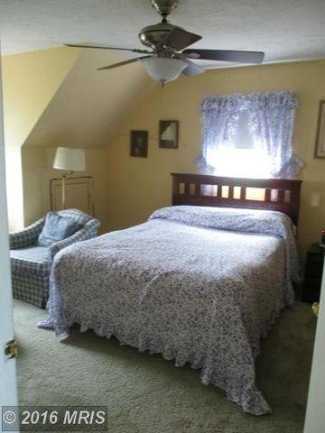 6742 Schoolhouse Rd, Bealeton, VA 22712