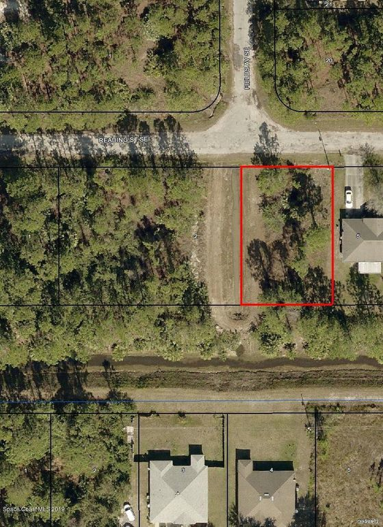 422 Reading St Se, Palm Bay, FL 32909
