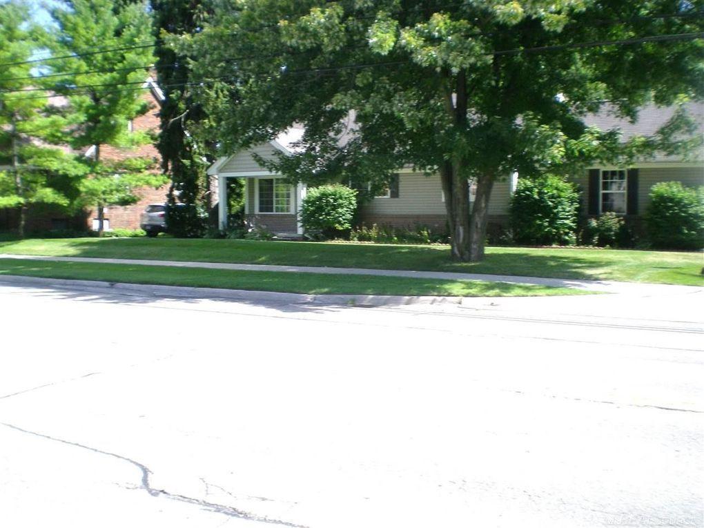 31896 Tall Pines Ct Unit 10, Roseville, MI 48066
