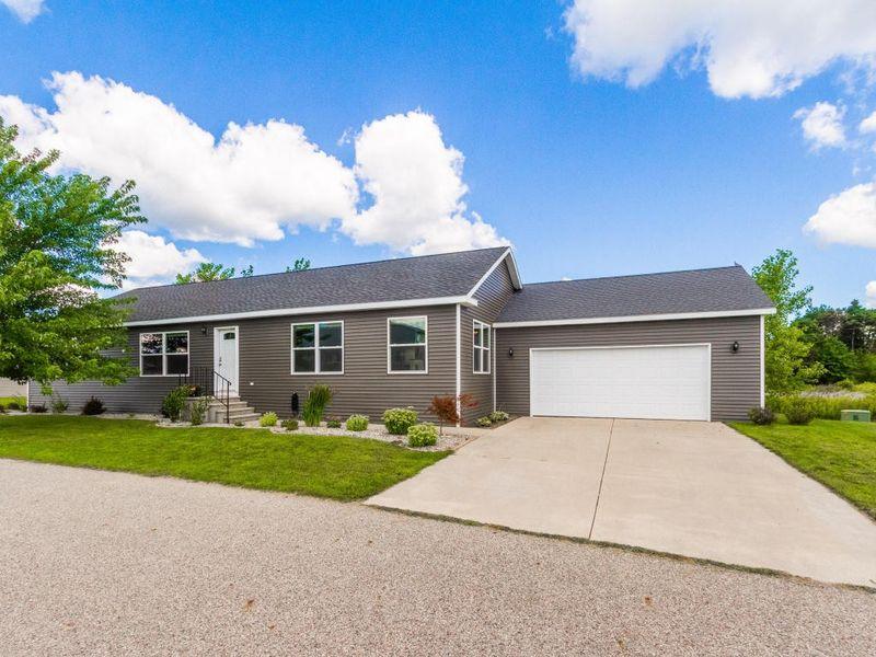 9777 platinum pt zeeland mi 49464 home for sale and