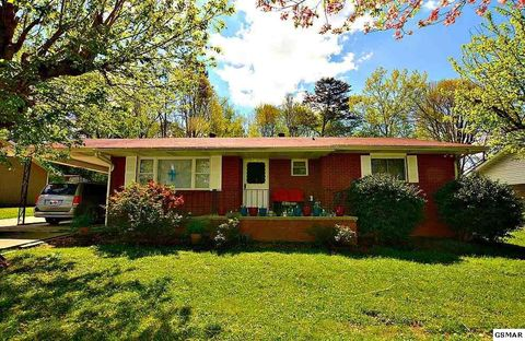 Photo of 205 Valley Dr, Pigeon Forge, TN 37863