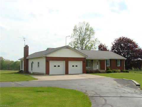Photo of 7025 W Pine Lake Rd, Salem, OH 44460