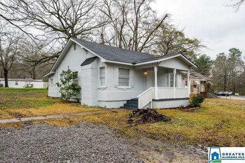 Photo of 403 Oakwood Ave, Hueytown, AL 35023