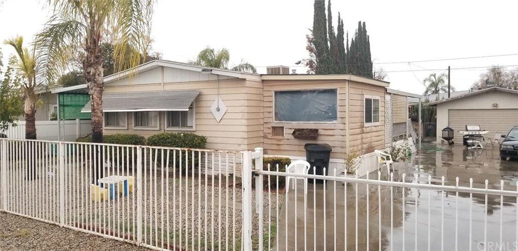 418 E Nuevo Rd Perris, CA 92571