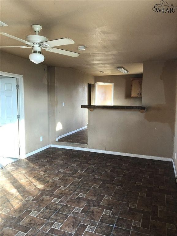 1532 Clover Ln, Wichita Falls, TX 76305