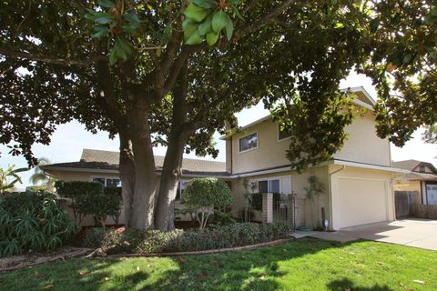 772 Lake Village Dr, Watsonville, CA 95076