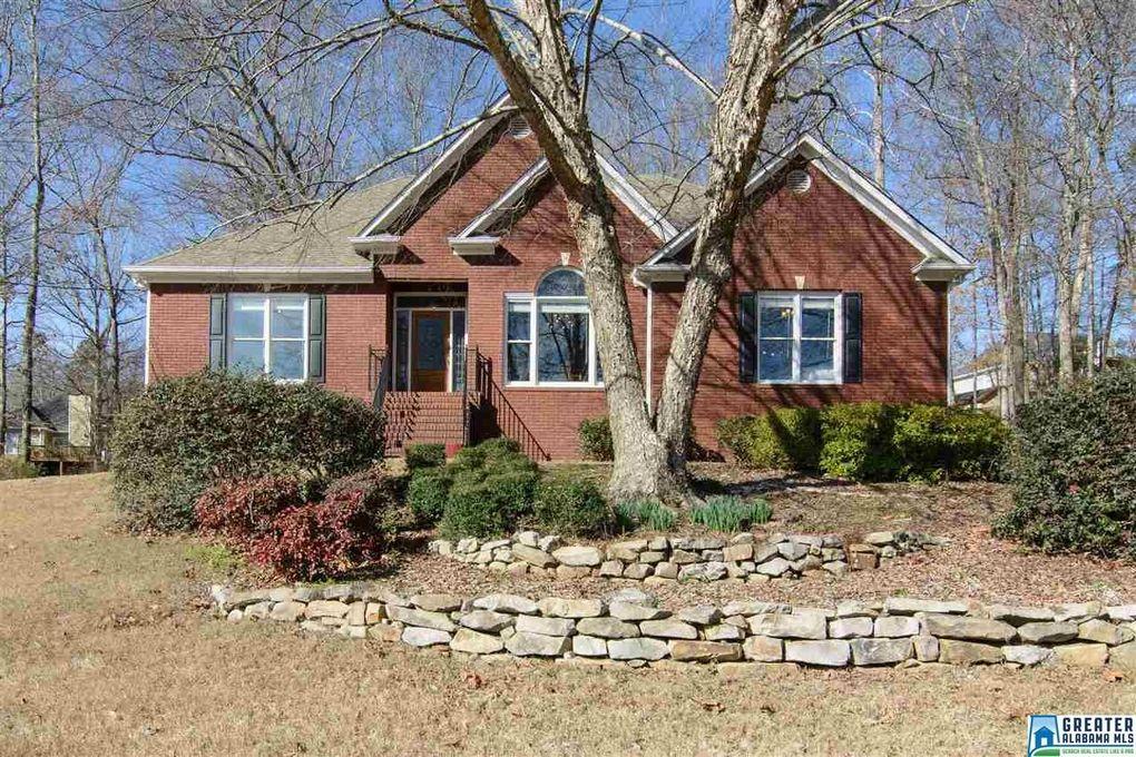 3916 Red Oak Dr, Trussville, AL 35173