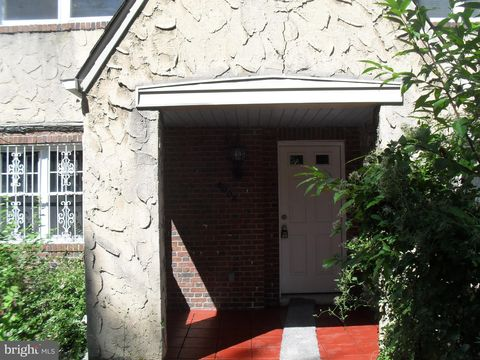 Photo of 4004 Woodhaven Ave, Baltimore, MD 21216