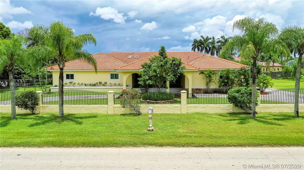 19351 SW 296th St Homestead, FL 33030
