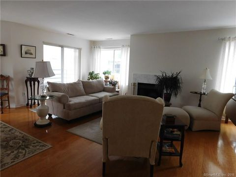 45 Harbour Close New Haven CT 06519