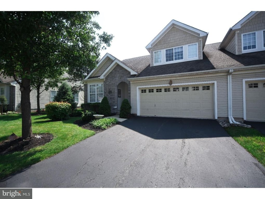 123 Lattice Ln, Collegeville, PA 19426