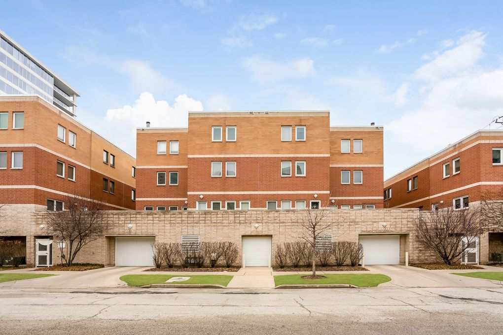 1889 Maple Ave Unit E2, Evanston, IL 60201