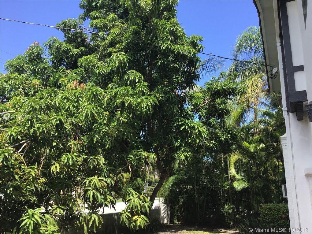 3005 N Bay Rd, Miami Beach, FL 33140
