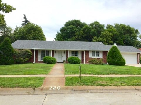 220 Smith Ave, Minden, NE 68959