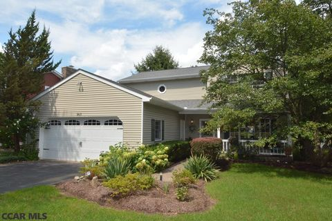 965 Grace St, State College, PA 16801