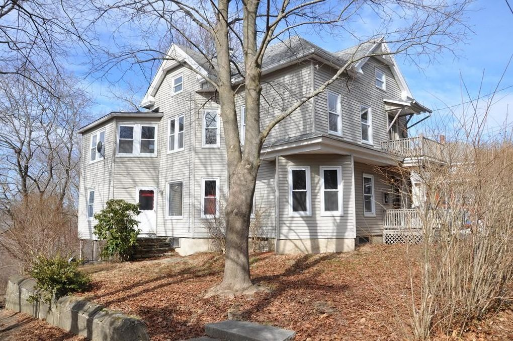 388 High St Webster, MA 01570