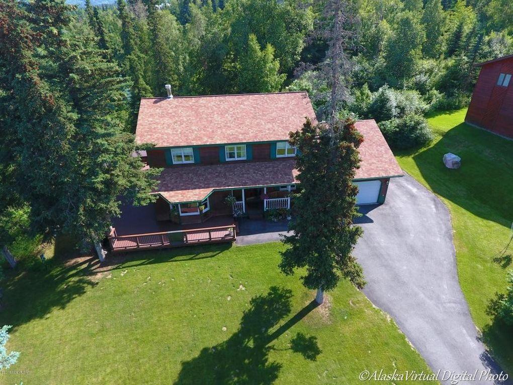 10301 Tree Top Ln, Anchorage, AK 99507