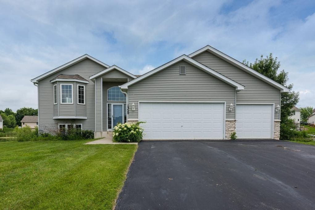 1320 Evergreen Pl, Mayer, MN 55360