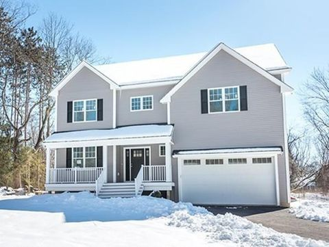 Photo of 404 Summer St, North Andover, MA 01845