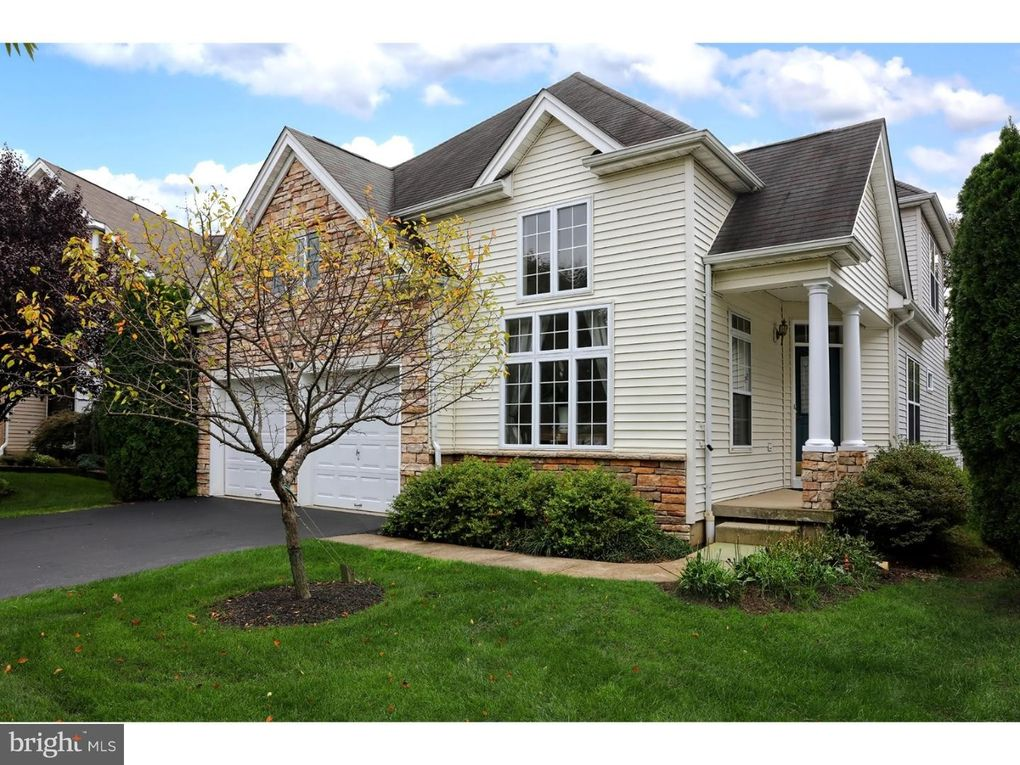55 Globeflower Ln Princeton Junction, NJ 08550
