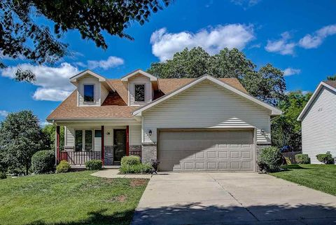 Photo of 5538 Sparkle Stone Cres, Fitchburg, WI 53711