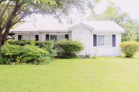 Photo of 4519 1st St, Moss Point, MS 39563
