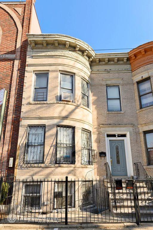 1325 Park Pl, Brooklyn, NY 11213