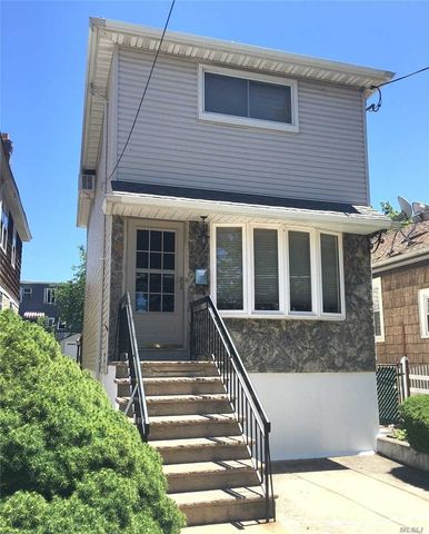 5-19 College Pt Blvd, College Point, NY 11356
