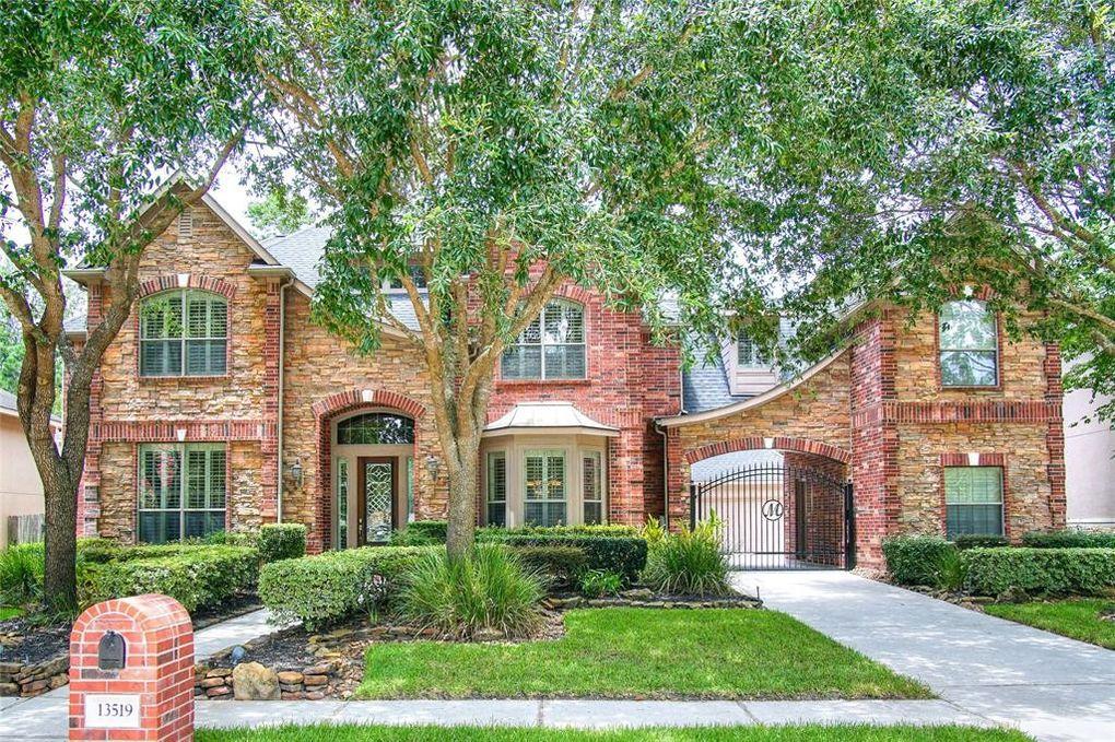 13519 Greenwood Lakes Ln Houston, TX 77044
