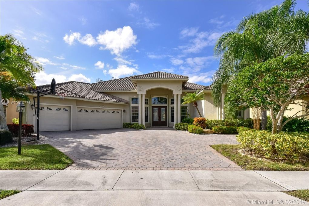 21681 Fall River Dr, Boca Raton, FL 33428