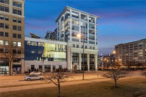 Photo of 429 N Pennsylvania St Unit 802, Indianapolis, IN 46204