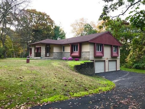 814 Larchmont Cir, Elmira, NY 14905