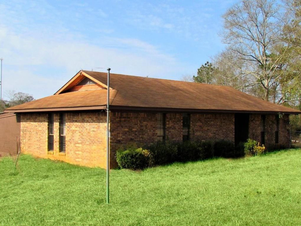 63 Wilson Ave, Bassfield, MS 39421