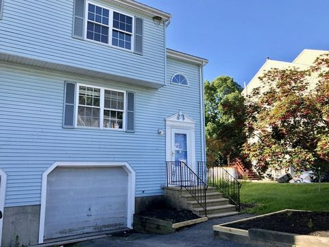 Photo of 35 Ledgecrest Dr Unit 1, Worcester, MA 01603