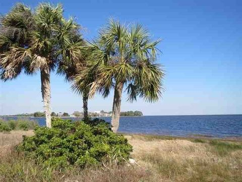 Photo of 197 Beaty Taff Dr, Crawfordville, FL 32327