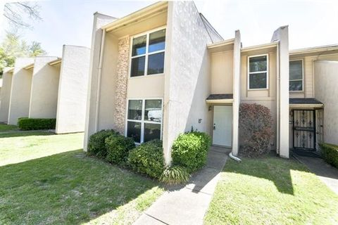 Photo of 340 Valley Park Dr, Garland, TX 75043