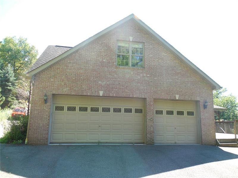 125 Dorrington Rd, Collier Township, PA 15071
