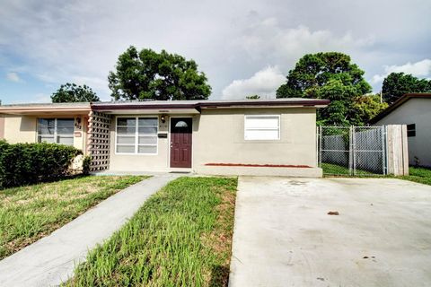 Photo of 4110 Nw 39th Ave, Lauderdale Lakes, FL 33309