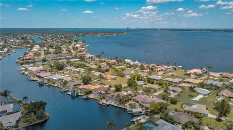 Photo of 3331 Se 22nd Ave, Cape Coral, FL 33904