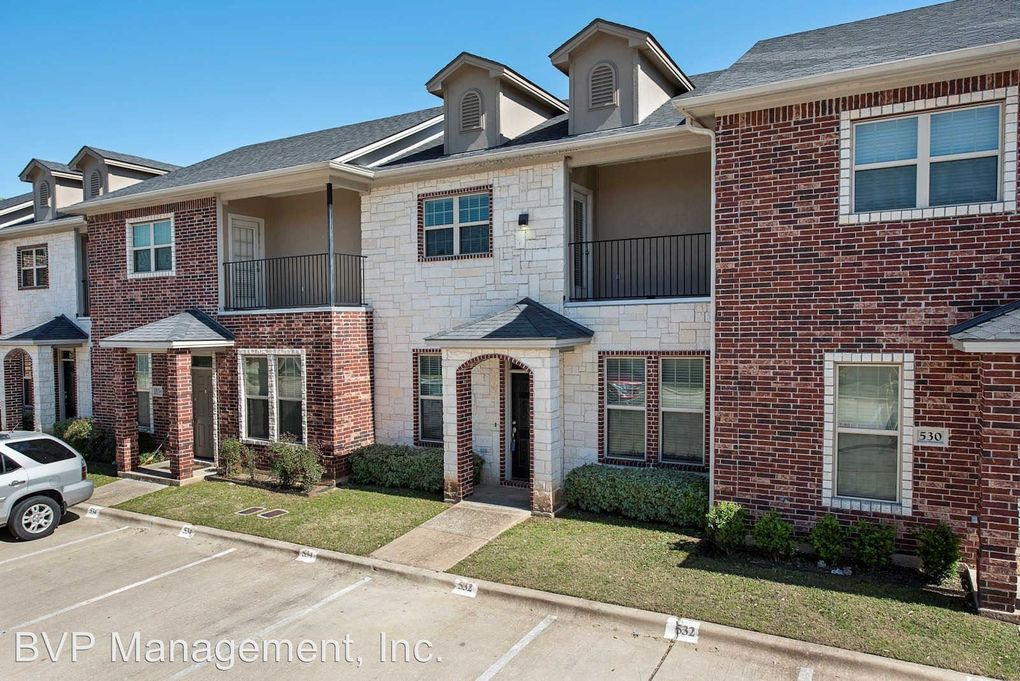 525 Forest Dr, College Station, TX 77840