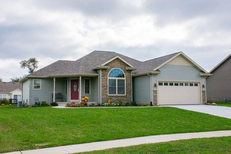 51748 Cresswell Dr, South Bend, IN 46628
