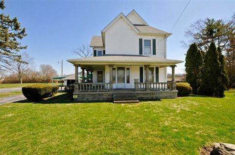 Photo of 3225 S Lynhurst Dr, Indianapolis, IN 46241