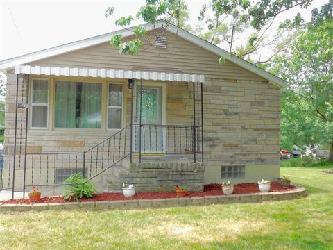 1834 28 1/2 Ave, East Moline, IL 61244