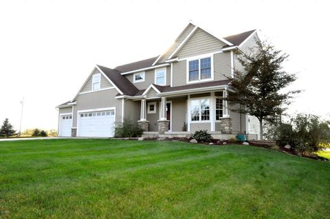 Zeeland MI Homes With Special Features