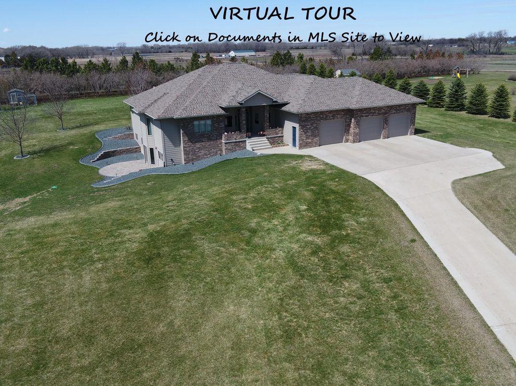 25811 Prairie Pl Mitchell, SD 57301