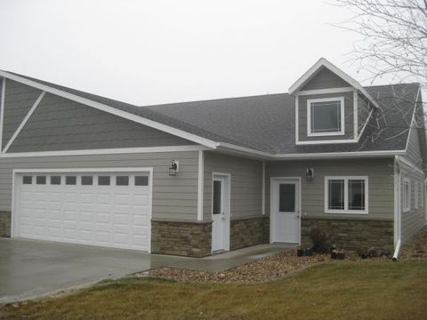 Photo of 1885 1st Ave Sw Unit 5, Worthington, MN 56187